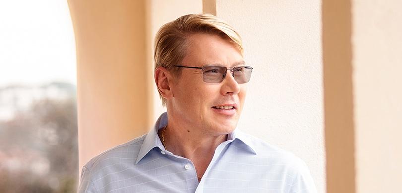Mika Häkkinen nosi Neurothova slušna pomagala